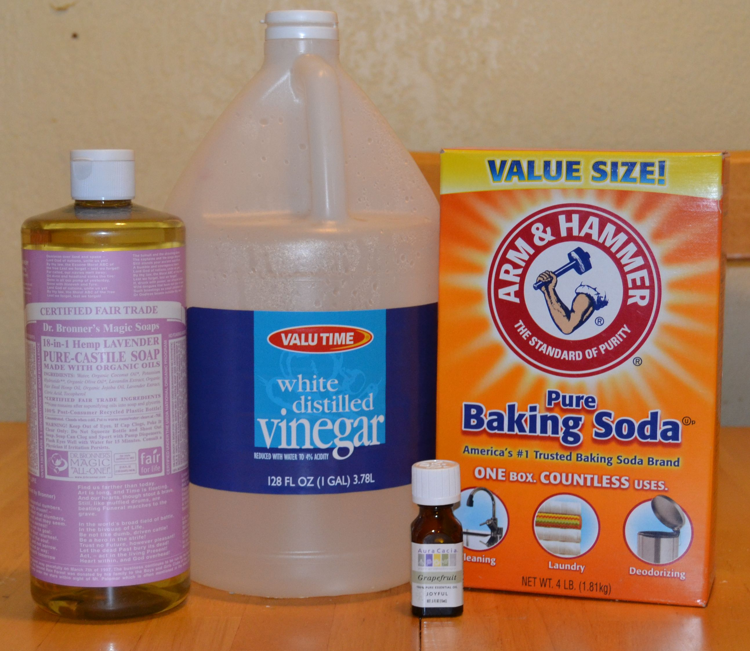 Homemade Bathroom Cleaner | Crafty Family